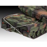 Revell Leopard 2 A6/A6M tank harcjármű makett 3180