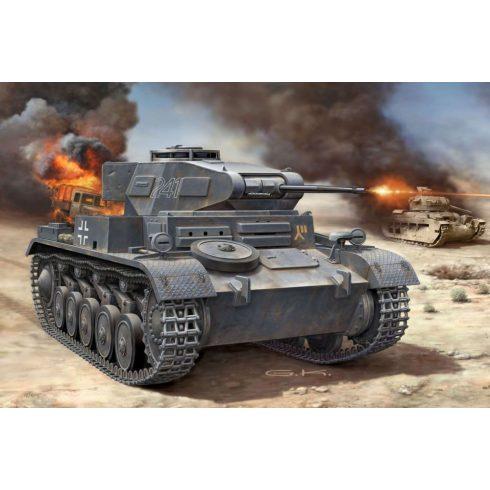 Revell PzKpfw II Ausf. F tank harcjármű makett 3229
