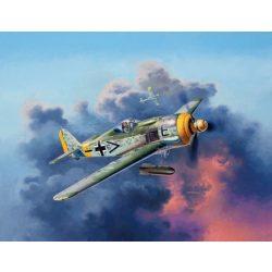 Revell Focke Wulf Fw190 F-8 repülőgép makett 3898