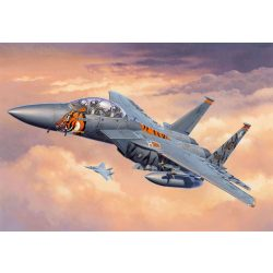 Revell F-15E Strike Eagle katonai repülő makett 3996