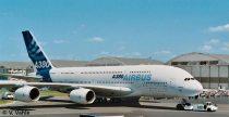 Revell Airbus A380 New livery (First Flight) polgári repülő makett 4218