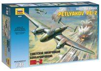 SOVIET DIVE BOMBER PE-2 katonai repülő makett Zvezda 4809