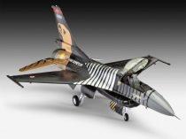 Revell Lockheed Martin F-16 C 'Solo Türk' katonai repülő makett 4844