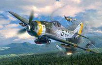 Revell Focke Wulf Fw190 F-8 repülőgép makett 4869