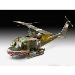 Revell Bell UH-1C helikopter makett 4960