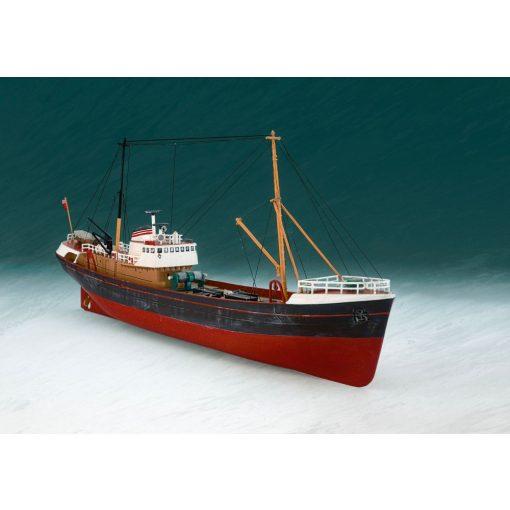 Revell Northsea Fishing Trawler hajó makett 1:142 (5204)