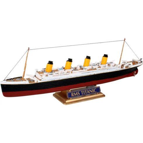 R.M.S. Titanic hajó makett revell 5804