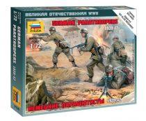 German Paratroops 1939-42 figura makett Zvezda 6136