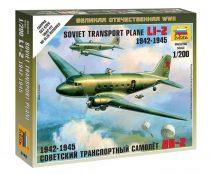 Li-2 Soviet Transport Plane katonai repülő makett Zvezda 6140