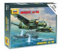 Ju-88A4 katonai repülő makett Zvezda 6186