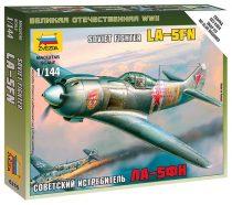 La-5 Soviet Fighter repülőgép makett Zvezda 6255