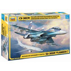 "Zvezda Russian air superiority fighter SU-30SM ""FLANKER C"" repülőgép makett 7314"